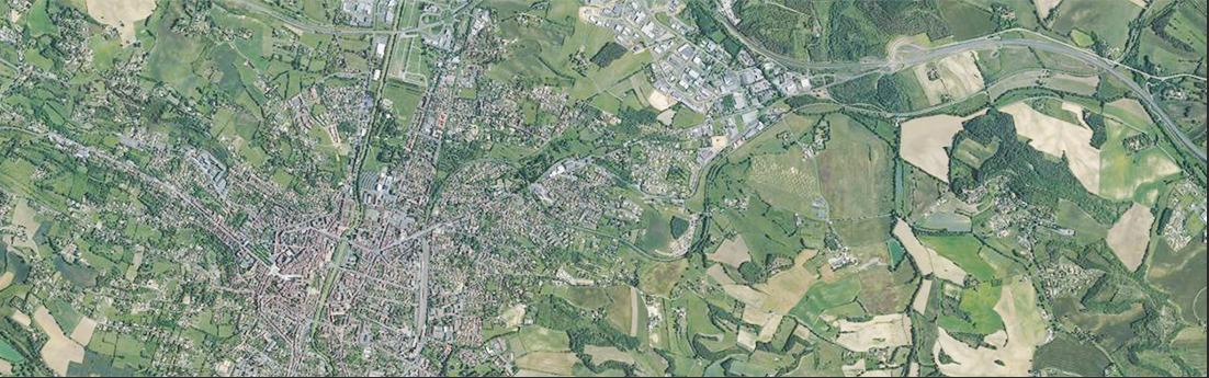 Photo aérienne de la région d'Auch
